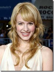 Jennywade-smiling-hot-whitedress_286